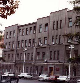 Фасад по улице Ленина